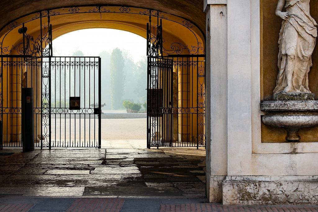 ALMA - Little Versailles Italian Garden