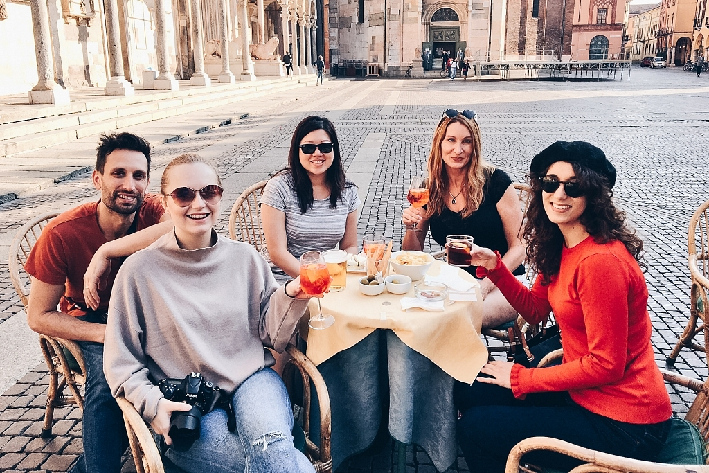 Aperitivo in front of the Cremona Cathedral