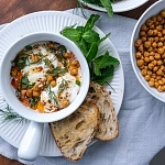 Turkish Eggs (Çılbır) with Roasted Chickpeas